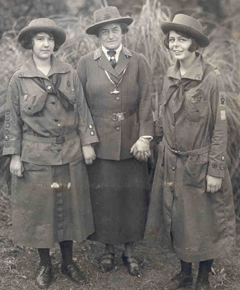 Juliette Gordon Low with two scouts via Wikipedia